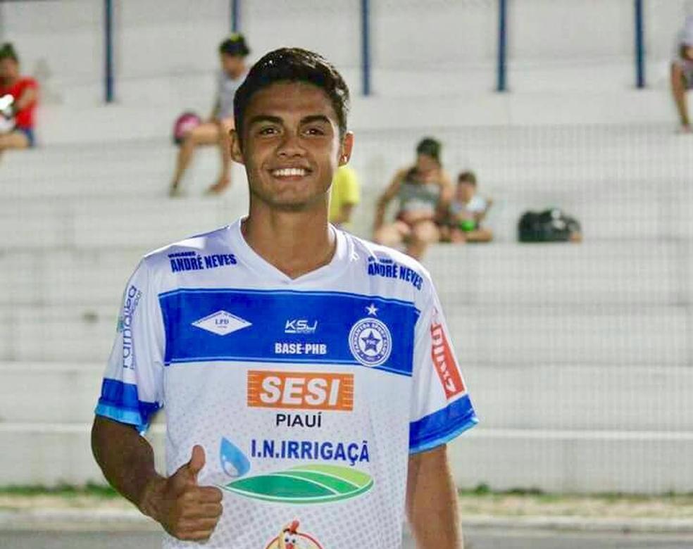 Felipe Garcês, atacante do Parnahyba  (Foto: Blog do Jonys)