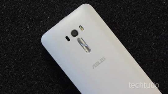 Zenfone Selfie ou Zenfone Zoom? Compare preços e fichas técnicas