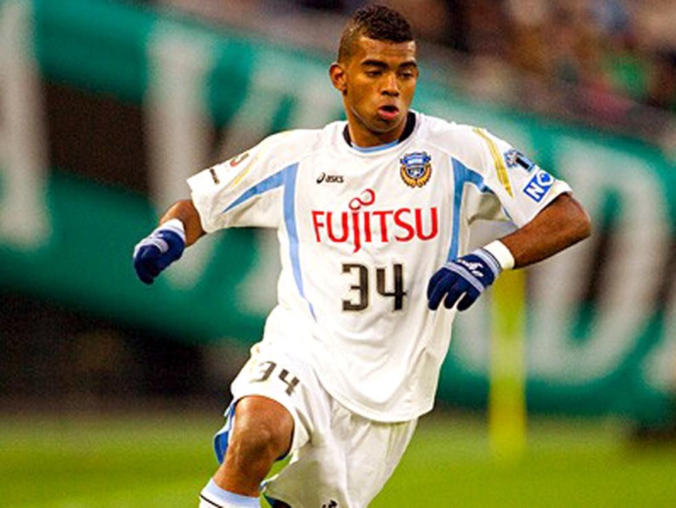 Renatinho em ação no futebol japonês  — Foto: Divulgação