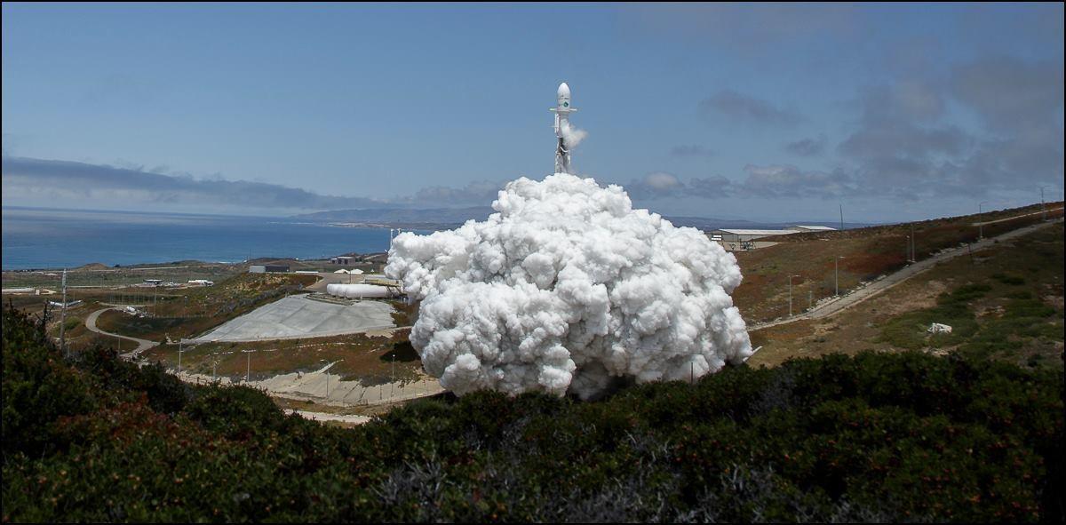 O lançamento da Falcon 9.  (Foto: NASA/Bill Ingalls)