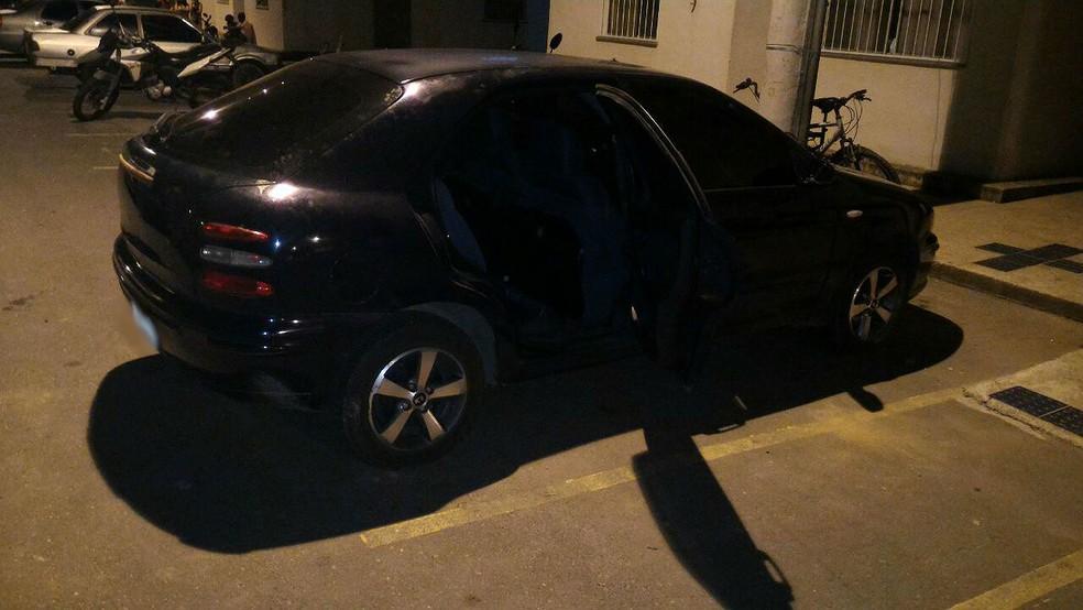 Cartuchos de calibre 12 foram encontrados em carro apreendido pela PM com grupo detido no Parque das Águas, em Juiz de Fora (Foto: Polícia Militar/Divulgação)