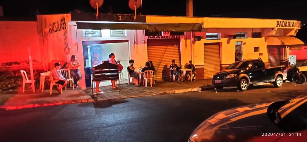 Força-tarefa interrompe 'pancadão' com mais de 100 pessoas e interdita três bares em São Carlos. — Foto: Prefeitura de São Carlos/Divulgação