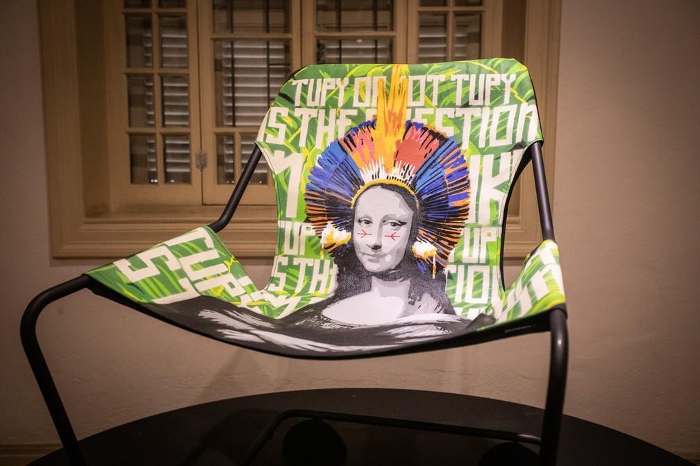 Obra de Ozi na exposição que celebra os 35 anos de sua carreira na arte urbana na Chácara Lane, casarão que integra o complexo do Museu da Cidade de São Paulo — Foto: Fábio Tito/G1