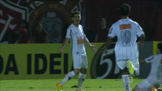 CSA anuncia contratação do atacante Neto Berola, ex-Santos, Vitória e Atlético-MG
