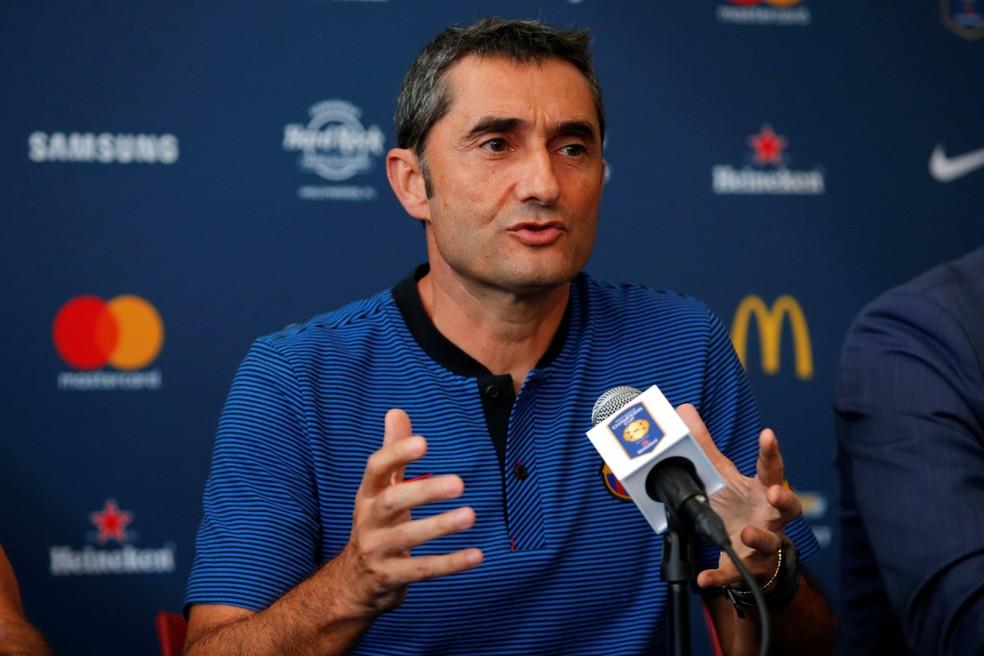 Perto de estreia no comando do Barcelona, o técnico Ernesto Valverde acredita na permanência de Neymar no time (Foto: Reuters)