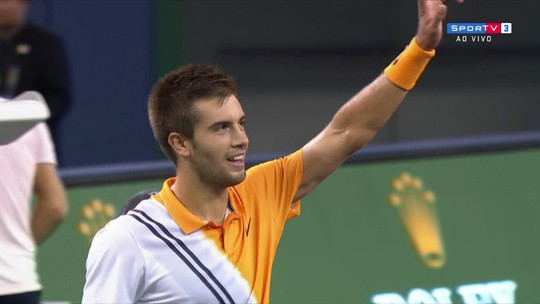 Borna Coric supera Roger Federer e vai pegar Djokovic na final do Masters 1.000 de Xangai