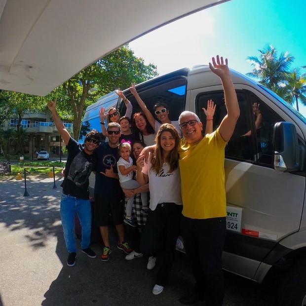 Deborah Secco e família (Foto: Reprodução)