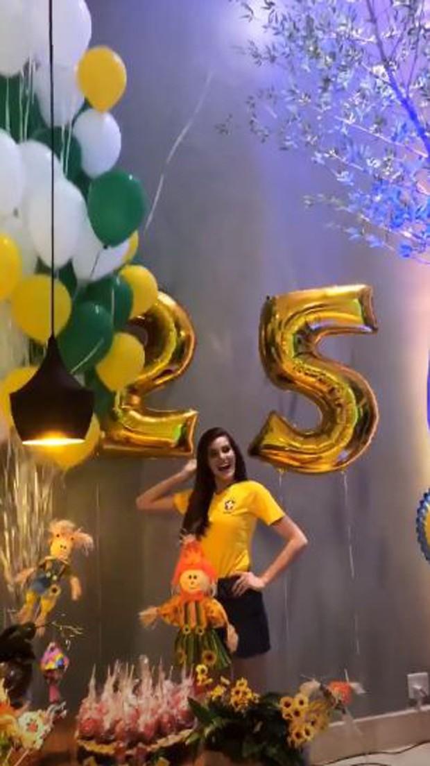Aniversário Camila Queiroz (Foto: Reprodução/Instagram)