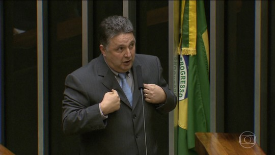 Garotinho vai a Brasília para recorrer de decisão do TSE; desempenho nas pesquisas motivou inelegibilidade, diz
