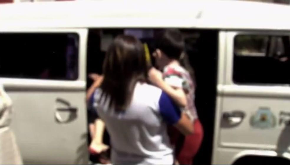 Filhos de suspeito de manter a família em cárcere privado prestaram depoimento (Foto: Reprodução/TV Verdes Mares)