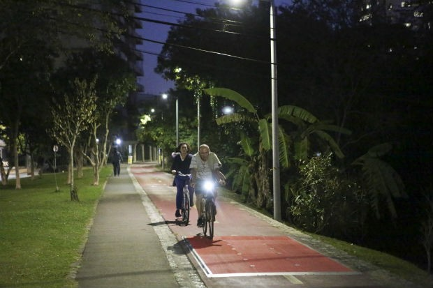 Ciclovia gera energia a partir de movimento (Foto: Cesar Brustolin/SMCS)