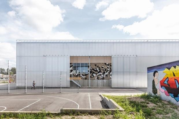 Fábrica abandonada é transformada em centro de esportes (Foto: Divulgação)