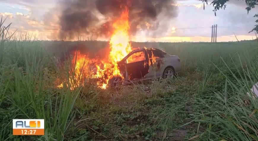 Acidente entre carro e moto deixa duas pessoas mortas em Satuba, Alagoas
