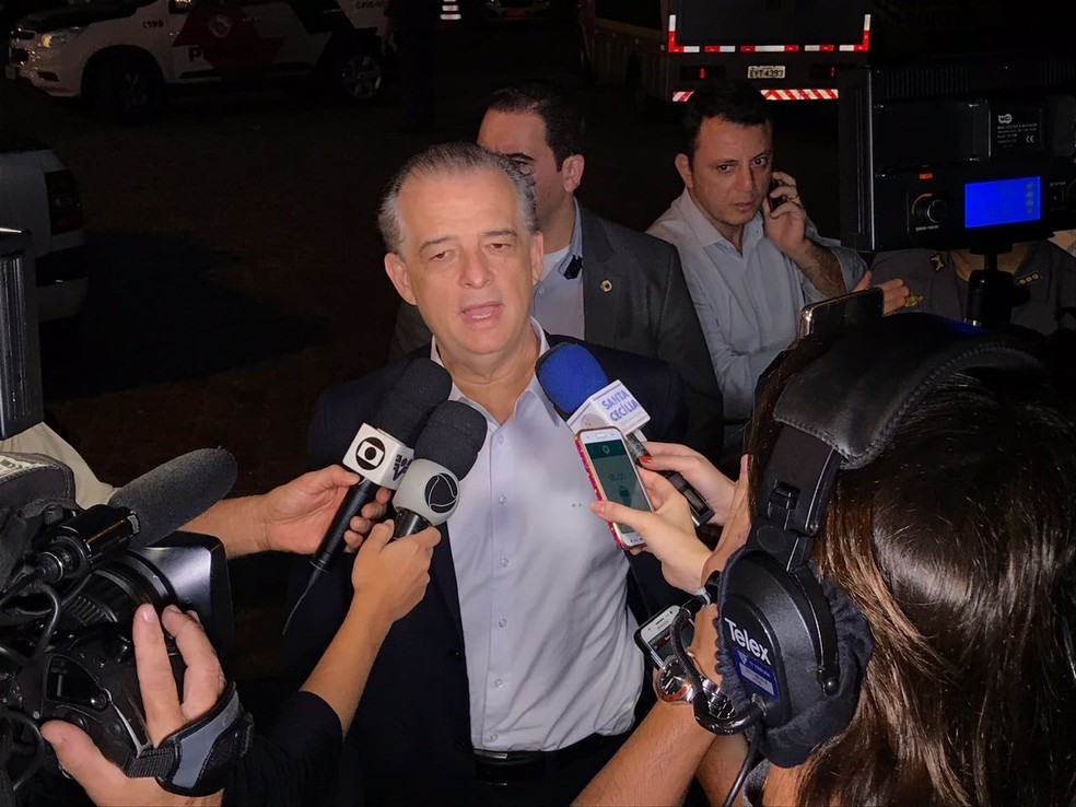 Governador Márcio França (PSB) ouviu reivindicações de caminhoneiros no Porto de Santos, SP (Foto: G1 Santos)