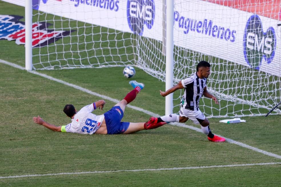 Ceará venceu o Bahia de virada em Pituaçu — Foto: Felipe Santos/cearasc.com
