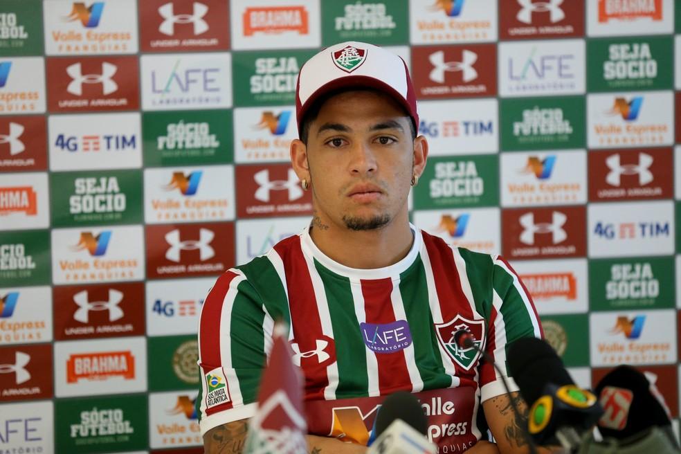 Luciano é apresentado como reforço tricolor (Foto: LUCAS MERÇON / FLUMINENSE F.C)