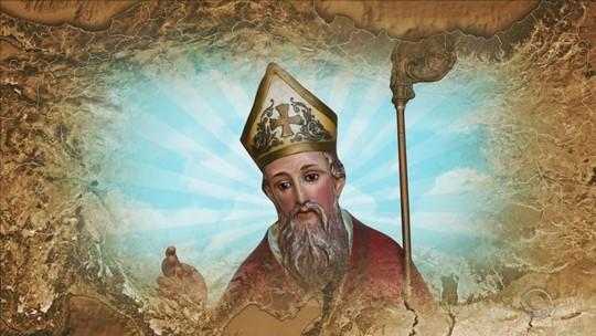 Estátua de São Nicolau descoberta em escola pode ser relíquia da arte jesuítica roubada nos anos 60