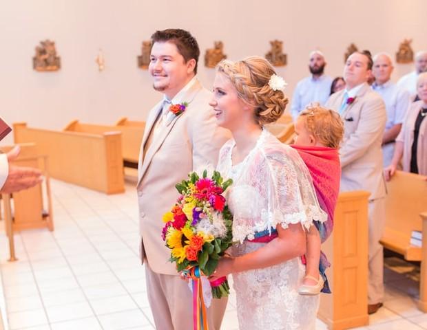 Os noivos e a pequena Ellora, 2 (Foto: Laura Schaefer)