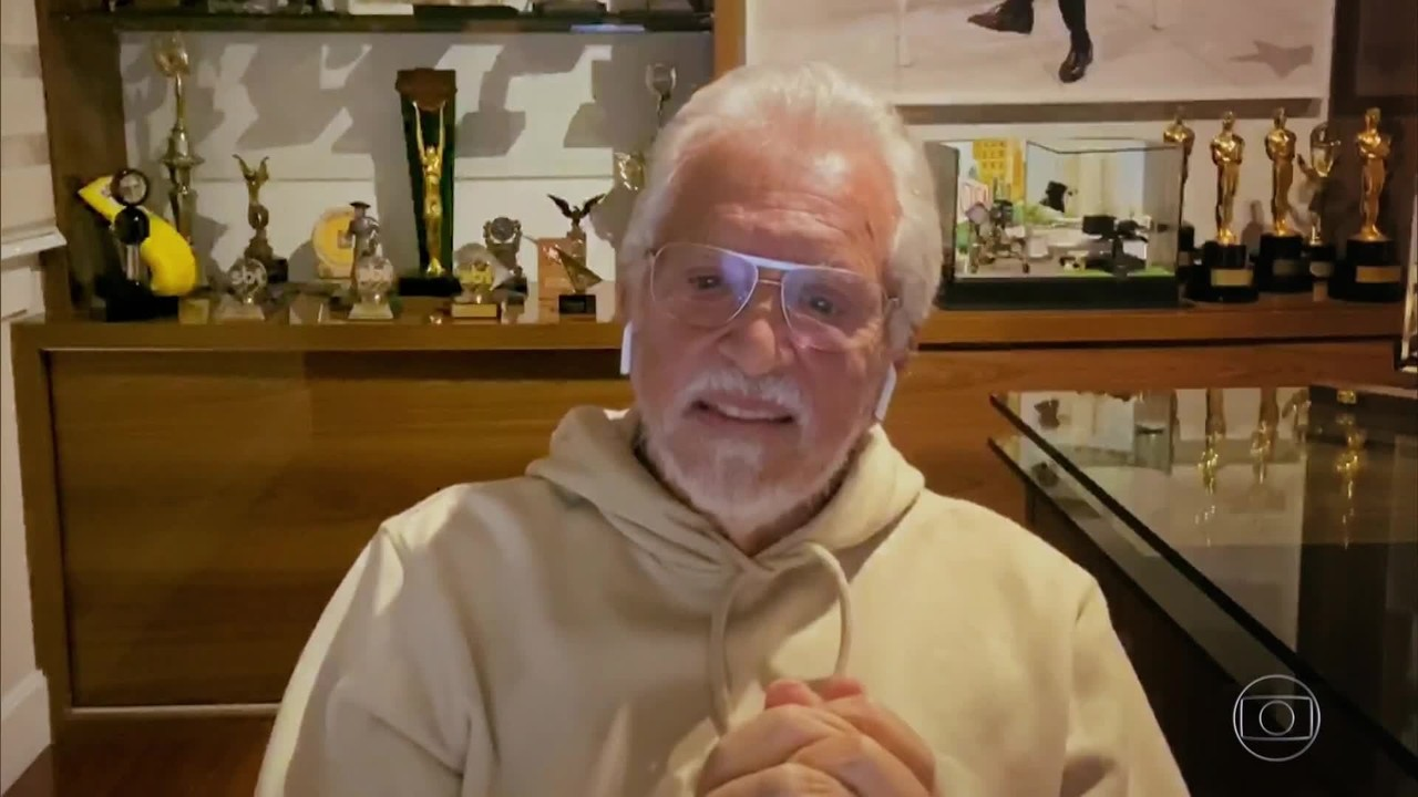 Carlos Alberto conta como fazia para superar a gagueira durante as gravações
