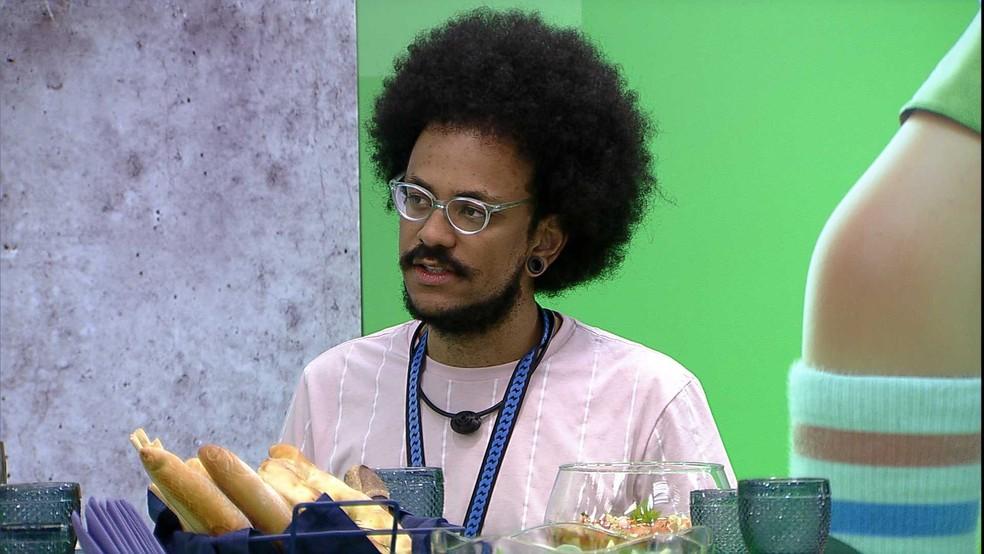 João Luiz diz sobre décimo primeiro Paredão: 'Pocah e Arthur votam em mim, e eu e o Gil na Pocah' — Foto: Globo