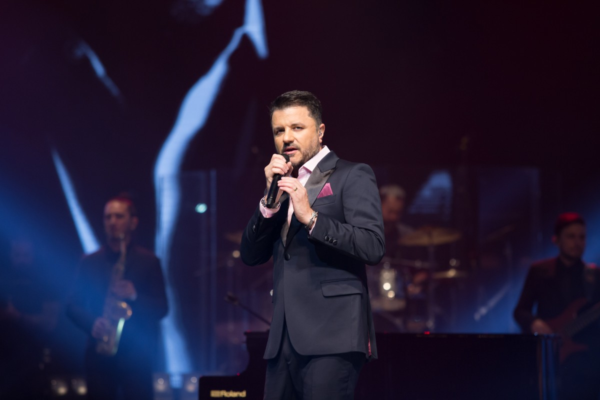 Maurício Manieri faz primeira live após infarto: 'Forma de agradecer por tudo' | Música