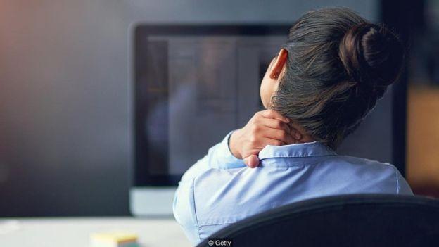 Acumular muitos arquivos digitais pode aumentar nossos níveis de estresse (Foto: Getty Images via BBC News)