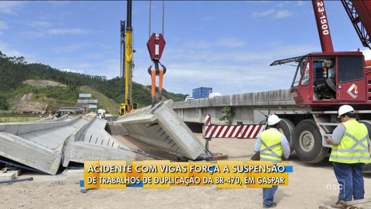 Acidente com viga provoca interrupção das obras da BR-470, em Gaspar