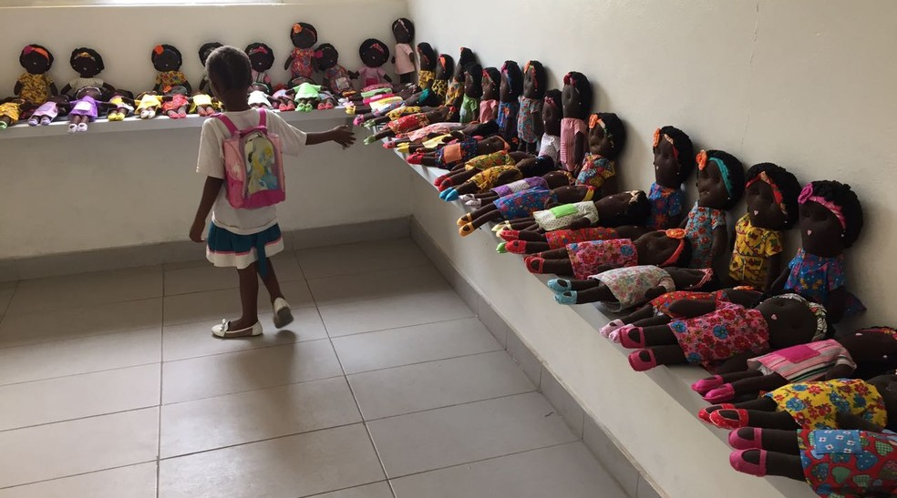 Brinquedos são confeccionados no Brasil com ajuda de voluntários (Foto: Arquivo Pessoal)
