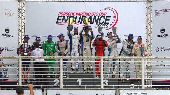 Confira a festa do pódio da Porsche Cup 3.8