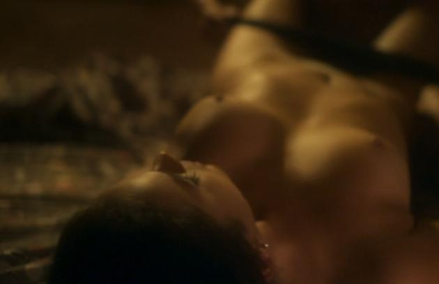 Bruna Marquezine em cena de sexo em  'Nada será como antes' (Foto: Reprodução/TV Globo)