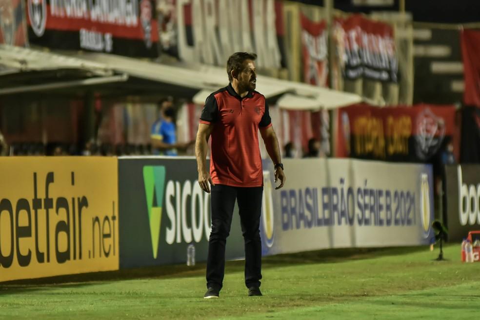 Ramon Menezes vai para o 5º jogo no comando do Vitória — Foto: Pietro Carpi / EC Vitória / Divulgação