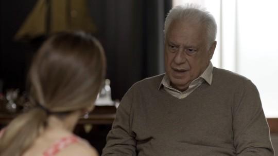 Alberto diz que Paloma pode ir embora para sempre