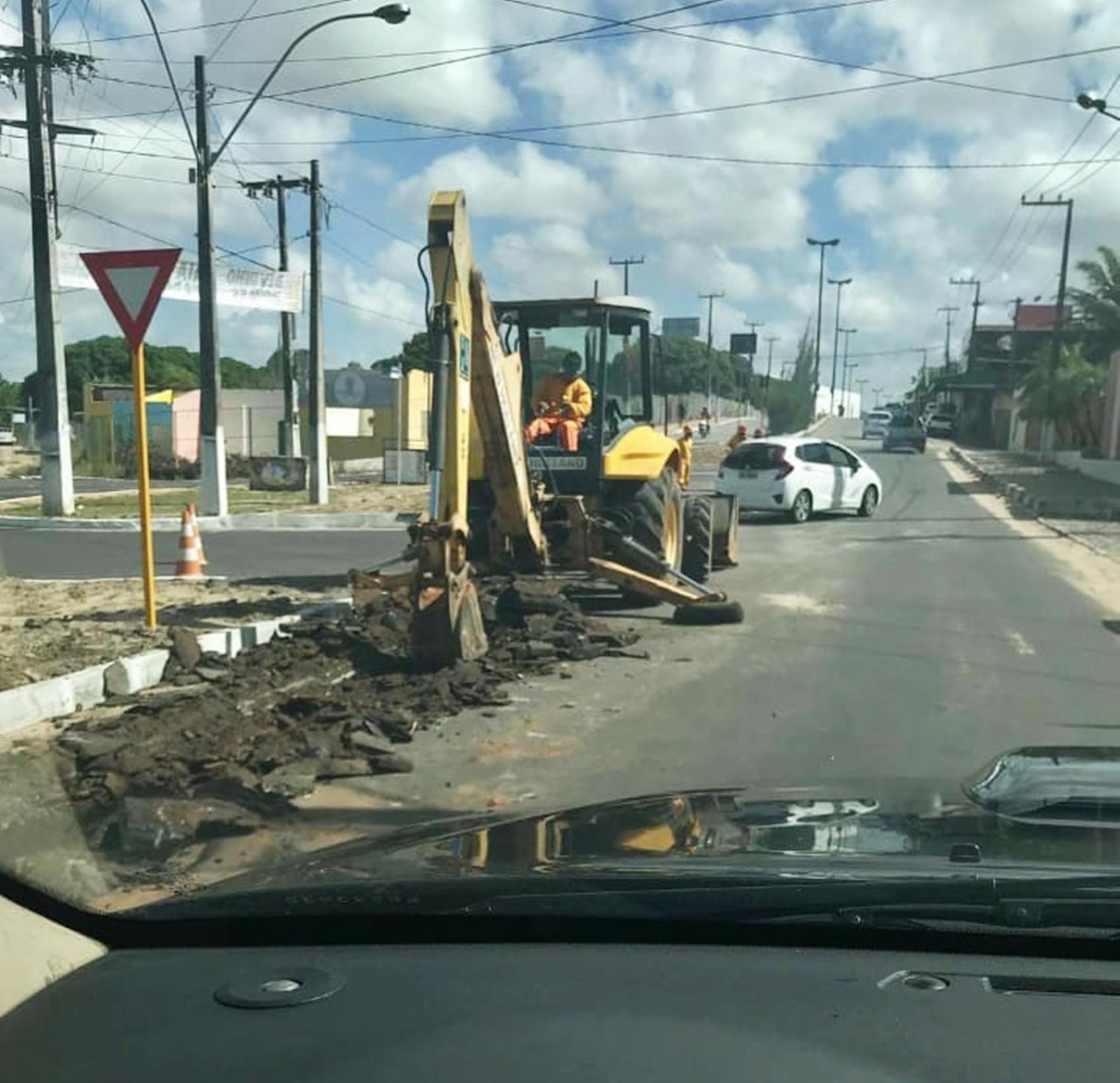 Em Nova Parnamirim, avenida Ayrton Senna tem intervenções para obras de abastecimento e esgotamento da Caern