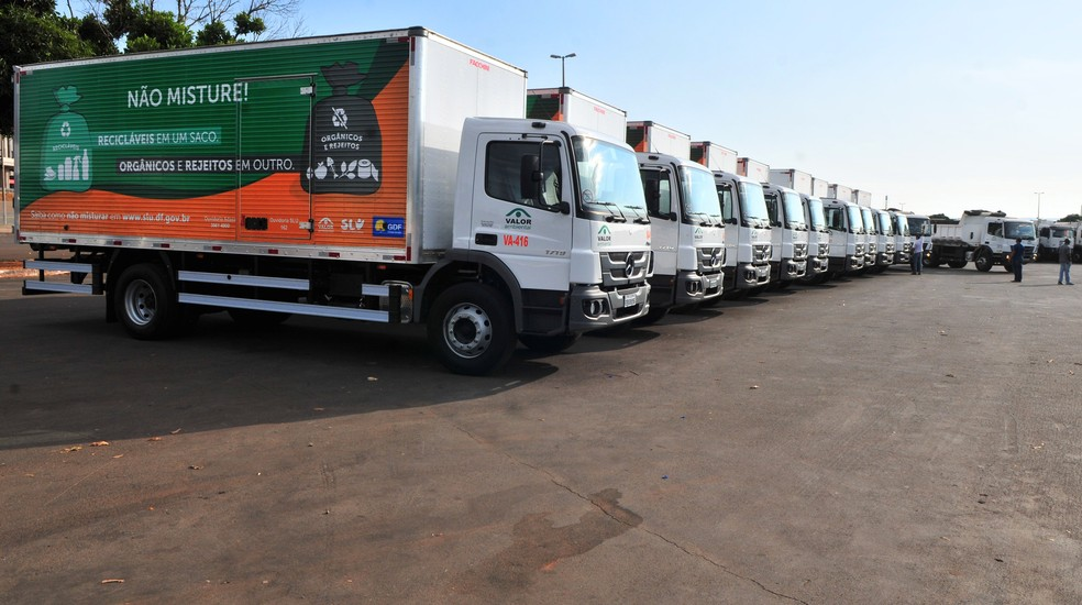 Caminhões da coleta seletiva de lixo do Distrito Federal — Foto: Acácio Pinheiro / Agência Brasília