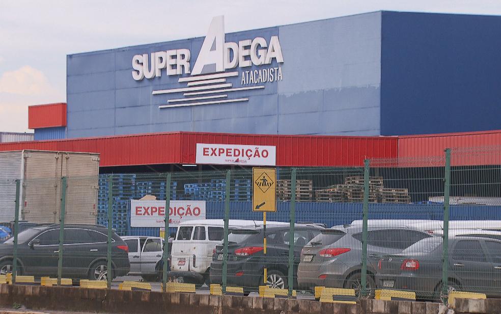 Supermercado atacadista Super Adega, em Brasília (Foto: TV Globo/Reprodução)