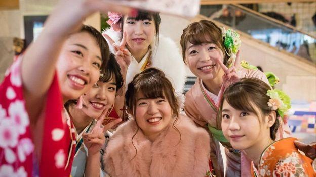 Agora os jovens se casam muito mais tarde do que nas gerações anteriores (Foto: Getty Images via BBC News)