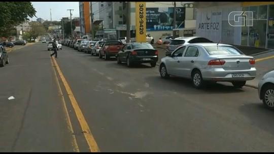 Protestos dos caminhoneiros no Paraná desabastecem mercados e postos de combustíveis