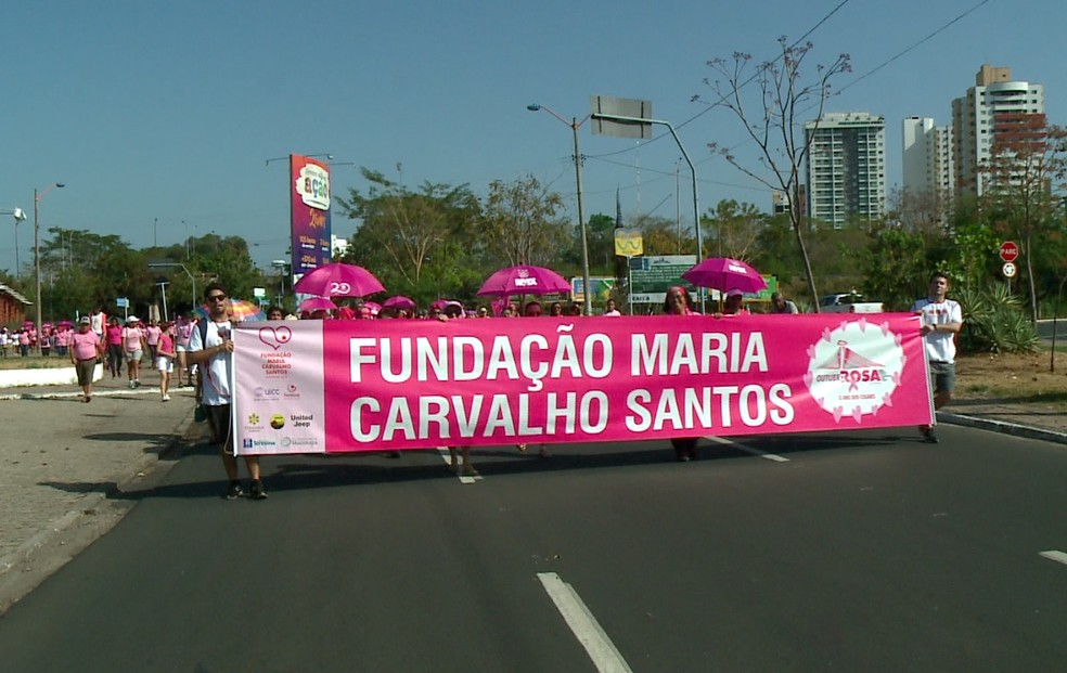 Caminhada do Outubro Rosa aconteceu neste domingo (6) em Teresina.  — Foto: Reprodução/TV Clube