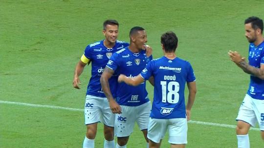 """Há oito meses sem marcar gol pelo Cruzeiro, David não esconde incômodo: """"Me preocupa muito"""""""
