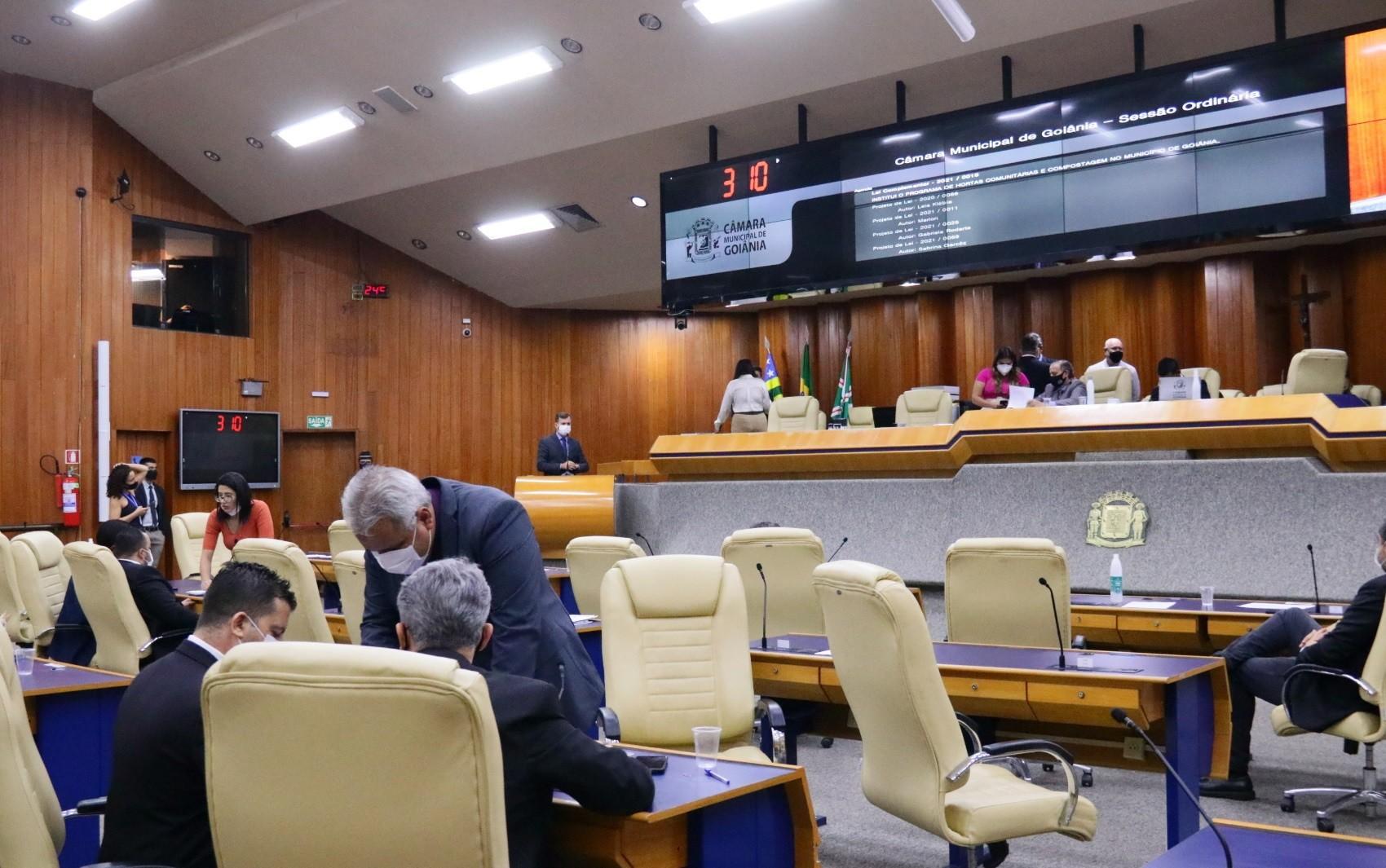Vereadores de Goiânia aprovam  projeto que aumenta verba de gabinete e cria 253 novos cargos comissionados