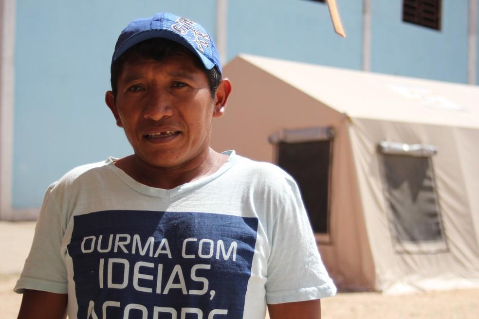 Cacique Narciso Sapata dormia nas ruas de Pacaraima antes da inauguração do abrigo (Foto: Emily Costa/G1 RR)