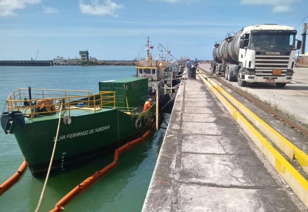 O navio Ilha Fernando de Noronha vai transportar combustível para Celpe (Foto: Divulgação )