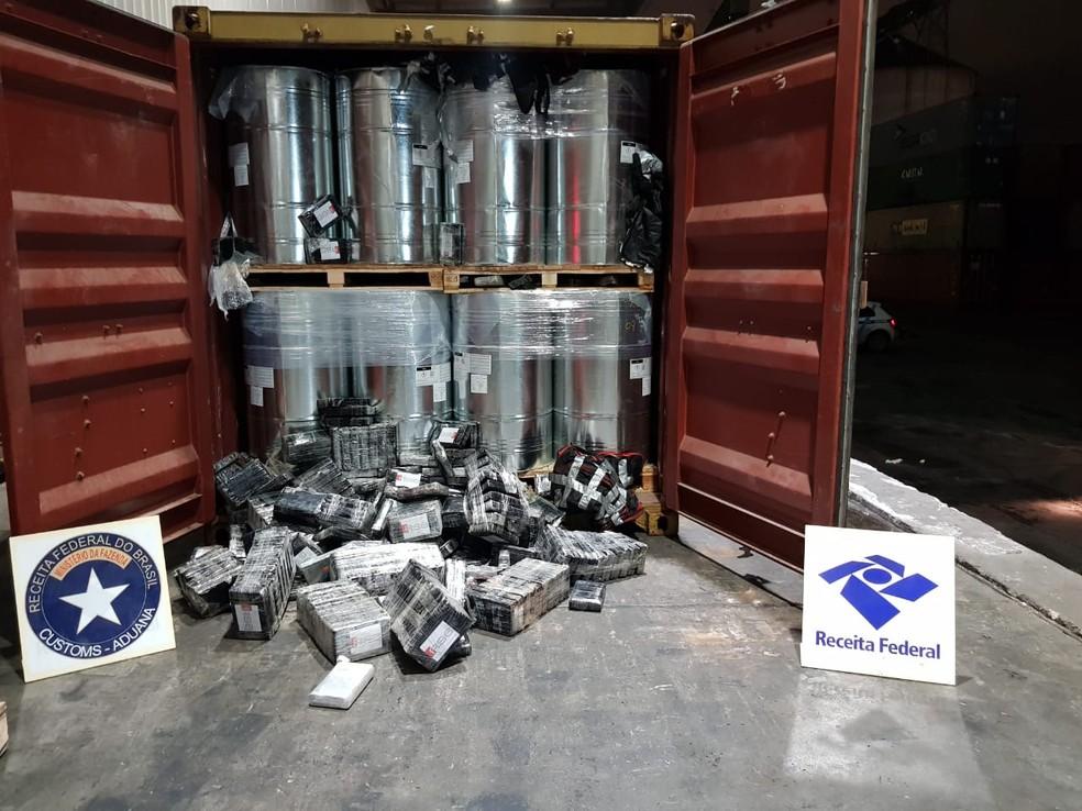 Agentes encontraram 450 kg de droga em duas apreensões, no Porto de Paranaguá, em outubro de 2019 — Foto: Divulgação/RFB