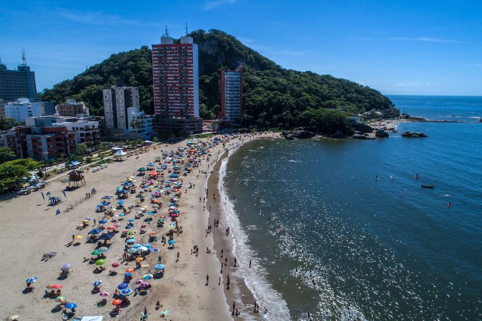 Praia Mansa de Caiobá, em Matinhos — Foto: Arquivo/AEN