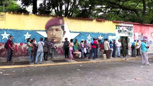Apoiadores de Maduro ganham eleição para governador na maioria dos estados venezuelanos