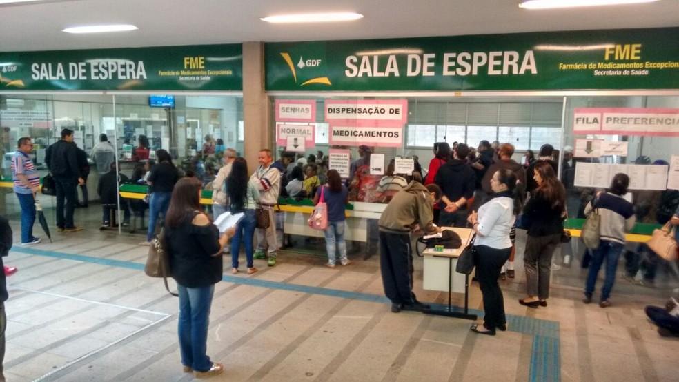 Fachada da farmácia de alto custo da Asa Sul (Foto: Caio Renan Cerqueira/TV Globo)