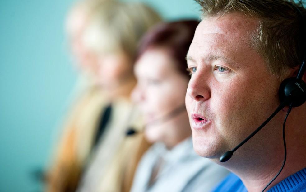 Atendentes de telemarketing trabalham 6h20 por dia, têm pausas cronometradas e apenas 20 minutos para refeição (Foto: Professional Images/Creative Commons)