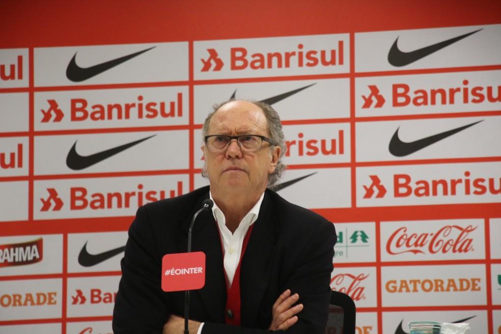 Falcão ficou 27 dias como técnico do Internacional em 2016, ano do rebaixamento do clube para a Série B (Foto: Tomás Hammes / GloboEsporte.com)