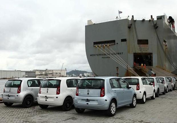 Exportação de carros para a Argentina ; exportação de veículos ; automóveis ;  (Foto: Reprodução/Facebook)