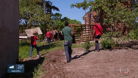 Desocupação de terreno de hotel em Igarassu provoca protesto no Grande Recife